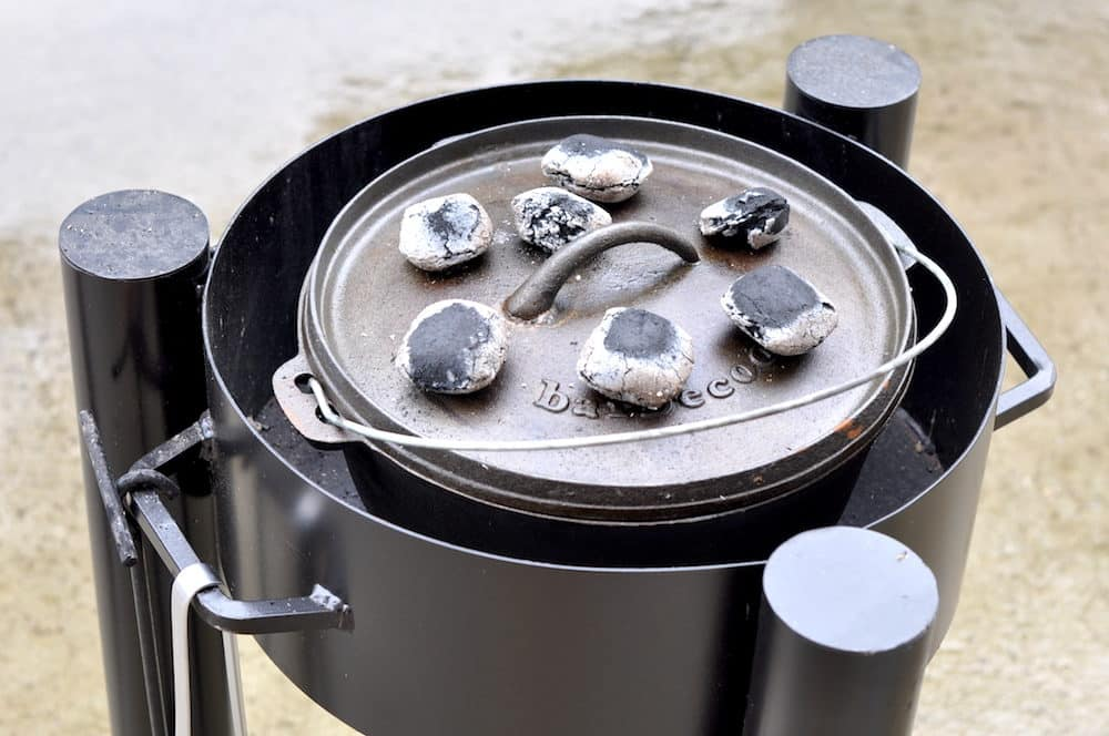 dutch-oven-tisch