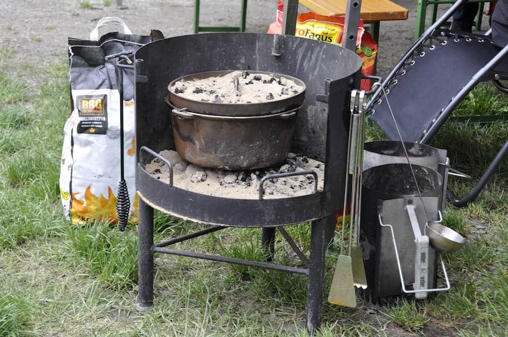 Dutch Oven Abstelltisch